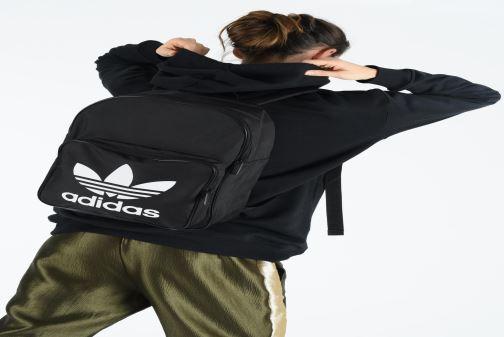 Sacs à dos adidas originals BP CLAS TREFOIL Noir vue bas / vue portée sac