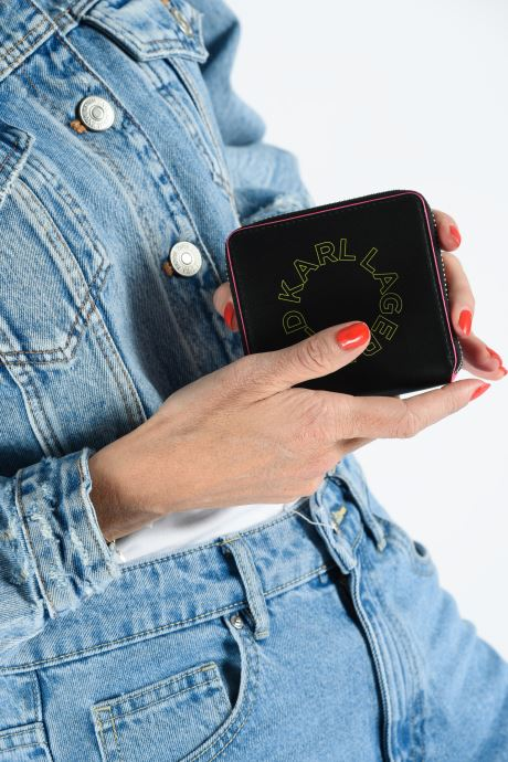 Petite Maroquinerie KARL LAGERFELD k/neon small wallet Noir vue bas / vue portée sac
