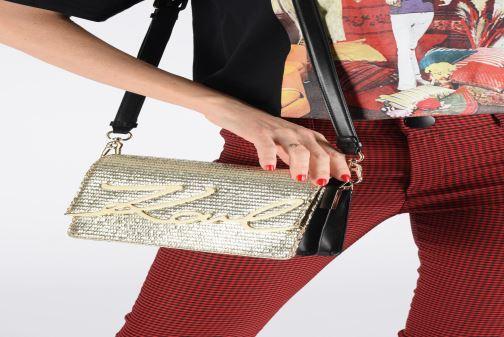 Handtassen Karl Lagerfeld k/signature raffia shoulderbag Goud en brons onder
