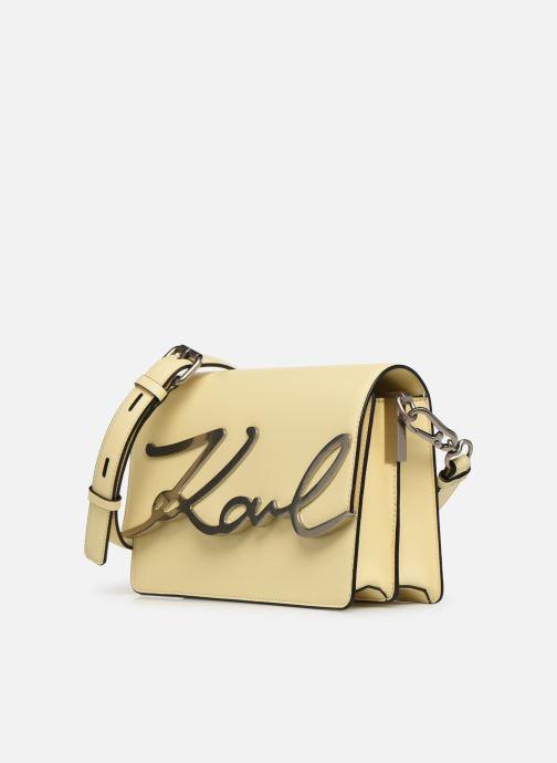 Borse KARL LAGERFELD k/signature shoulderbag Giallo modello indossato