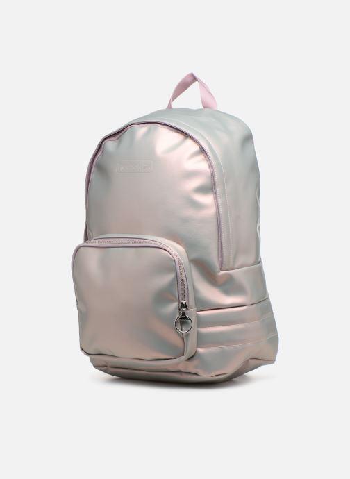 Mochilas Reebok CL Freestyle Backpack Plateado vista del modelo