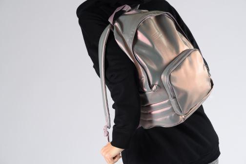 Mochilas Reebok CL Freestyle Backpack Plateado vista de abajo
