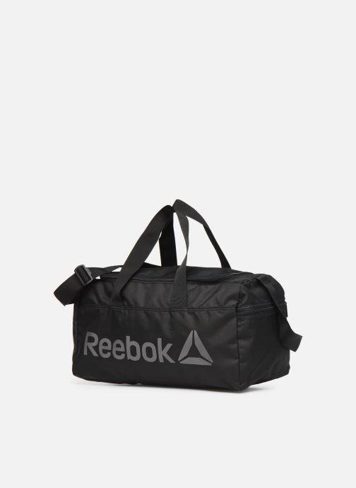 Borsa da palestra Reebok ACT CORE S GRIP Nero modello indossato