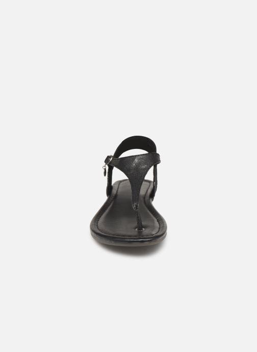 Sandali e scarpe aperte S.Oliver Aylin Nero modello indossato