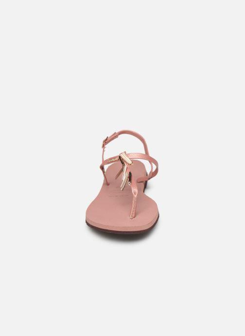 Sandali e scarpe aperte Havaianas You Riviera Maxi Rosa modello indossato