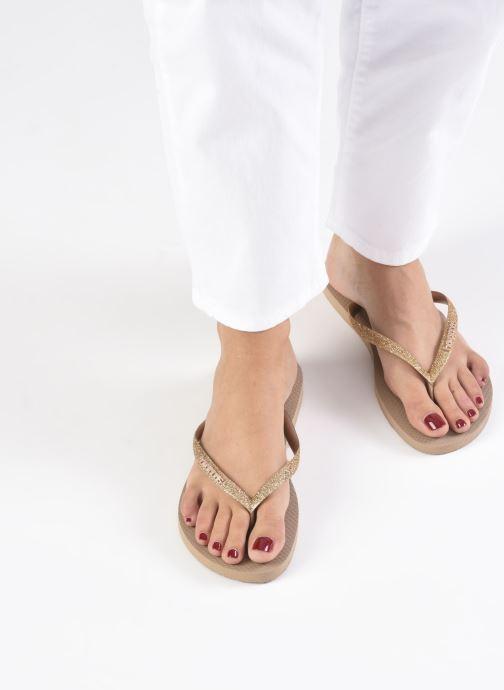 Tongs Havaianas Slim Glitter Or et bronze vue bas / vue portée sac