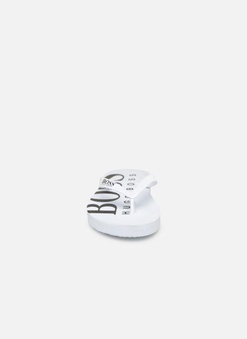 Tongs BOSS Tong J29176 Blanc vue portées chaussures