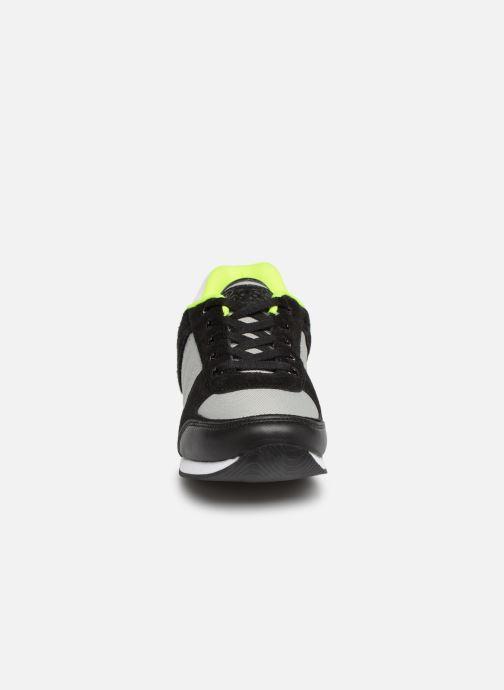 Baskets BOSS Retrorunning J29168 Gris vue portées chaussures