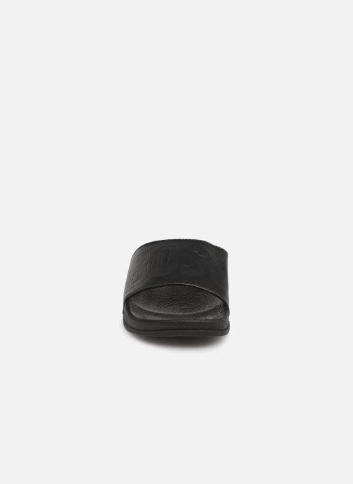 Sandales et nu-pieds BOSS Claquette Logo J29171 Noir vue portées chaussures
