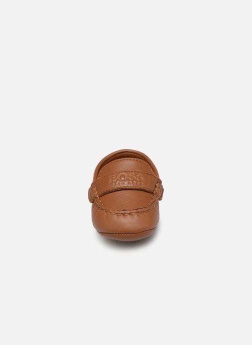 Chaussons BOSS Mocassin BB J99064 Marron vue portées chaussures