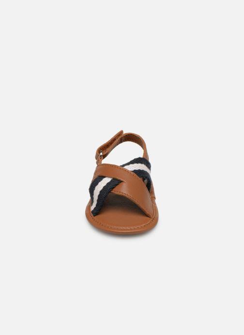 Sandales et nu-pieds BOSS Sandale BB J99066 Marron vue portées chaussures