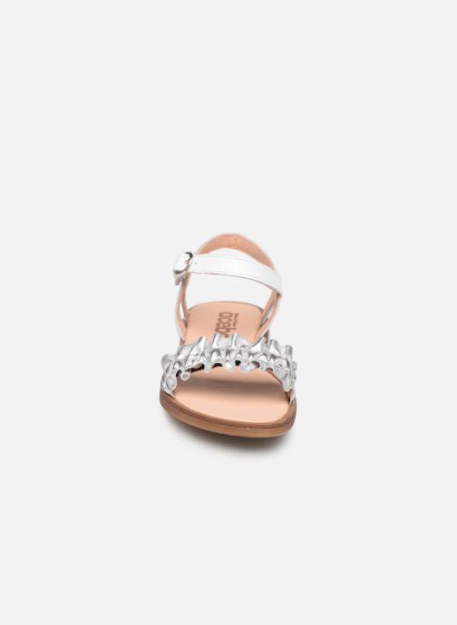 Sandales et nu-pieds Acebo's Martina Argent vue portées chaussures