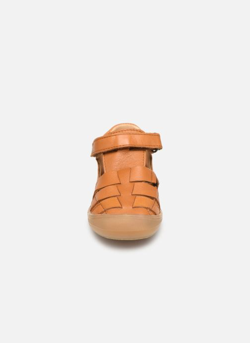 Sandalias Acebo's Roman Marrón vista del modelo