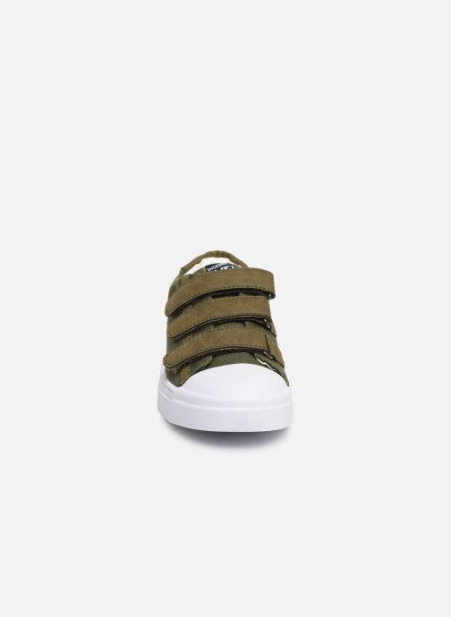 Sneakers Shoesme Santiago Verde modello indossato