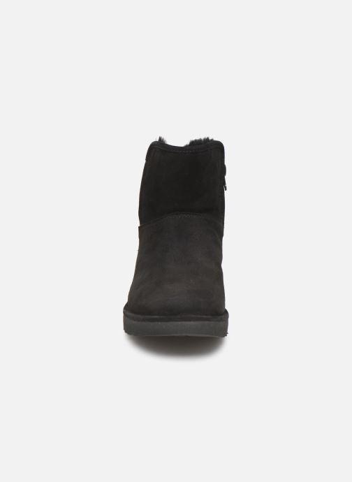 Bottes UGG W Abree Mini Noir vue portées chaussures