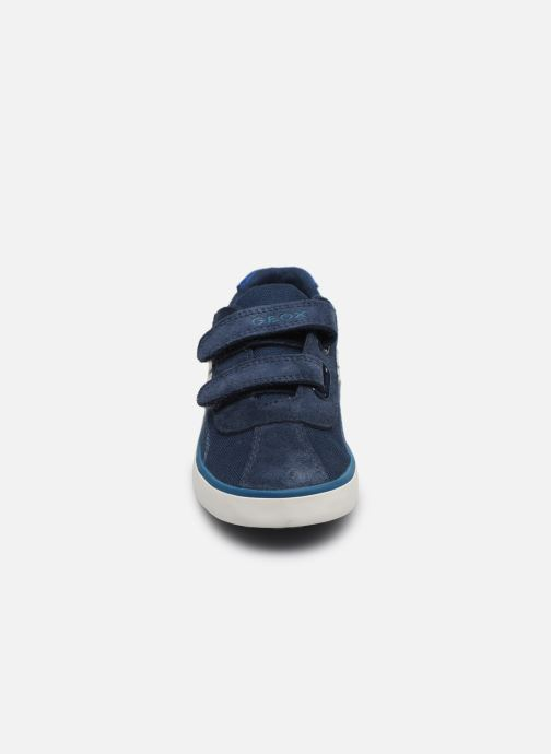 Baskets Geox B Kilwi Boy B82A7G Bleu vue portées chaussures