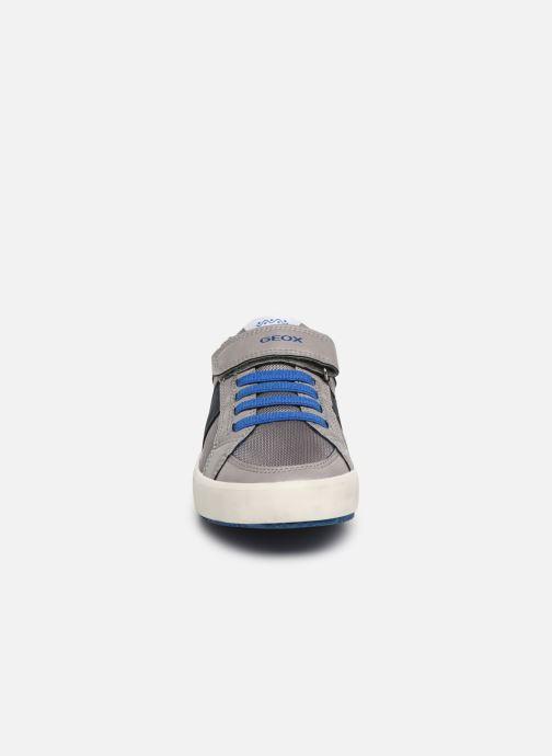 Baskets Geox J Alonisso Boy J922CC Gris vue portées chaussures