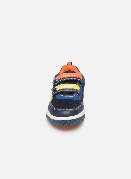 Baskets Geox J Inek Boy J929CC Bleu vue portées chaussures
