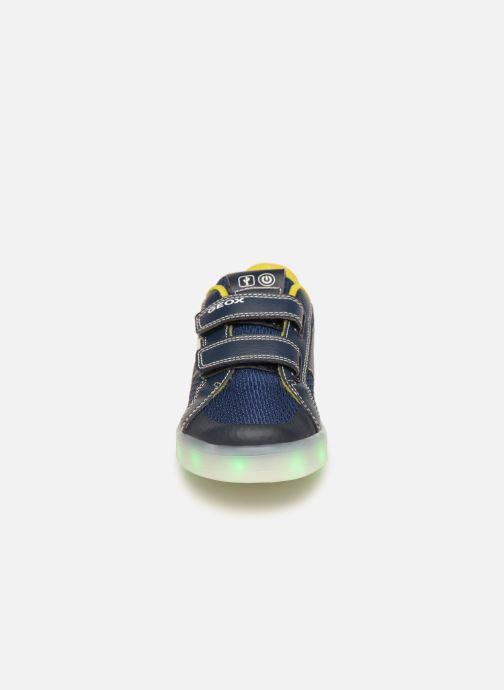 Baskets Geox J Kommodor Boy J925PA Bleu vue portées chaussures