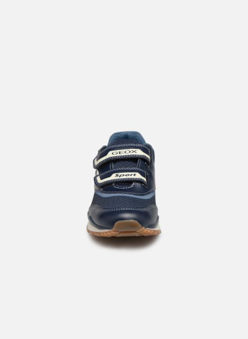 Baskets Geox J Pavel J9215A Bleu vue portées chaussures