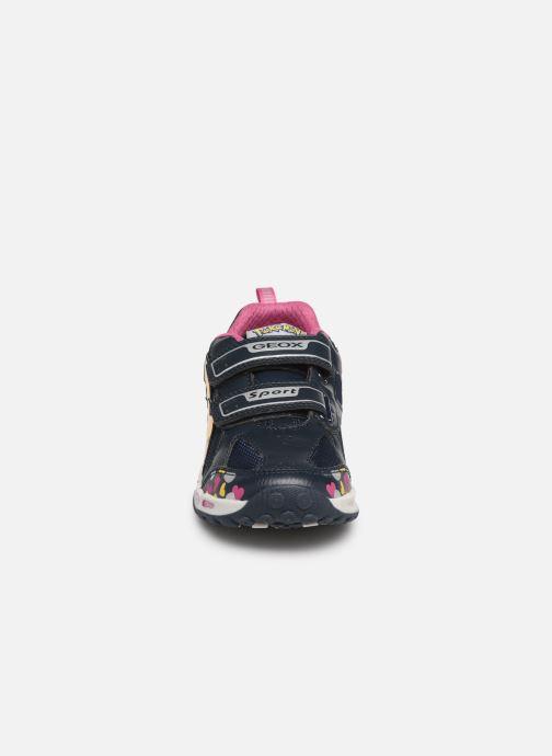 Baskets Geox J Shuttle Girl J8206D Bleu vue portées chaussures