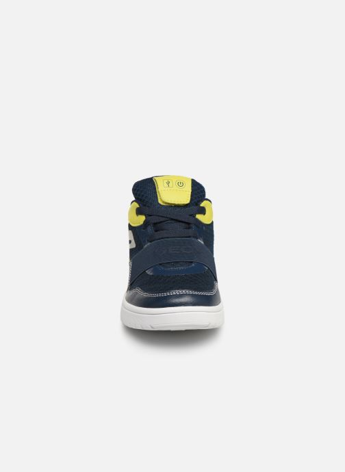 Baskets Geox J Xled Boy J927QB Bleu vue portées chaussures