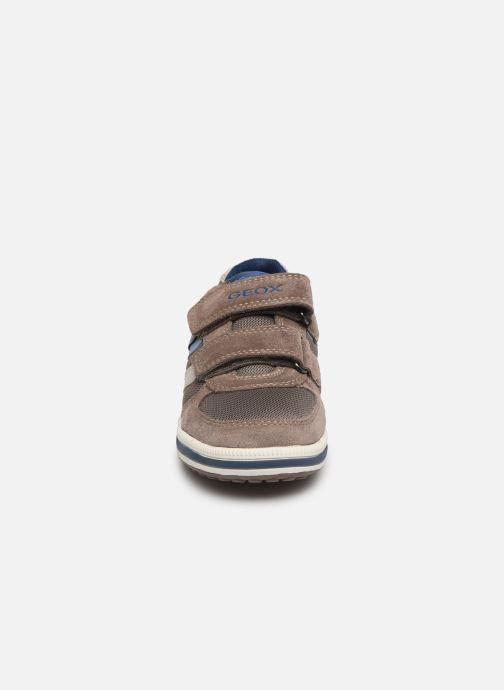 Baskets Geox Jr Vita J92A4A Beige vue portées chaussures