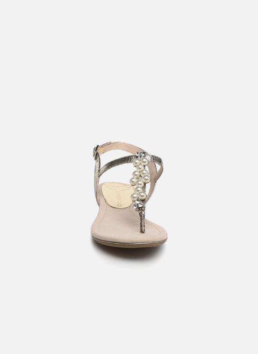 Sandali e scarpe aperte Marco Tozzi Mirna Argento modello indossato