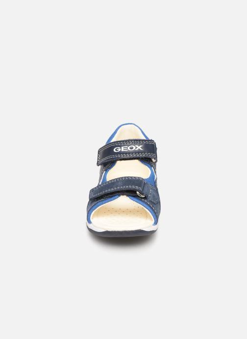 Sandales et nu-pieds Geox B Sandal Tapuz Boy B920XB Bleu vue portées chaussures