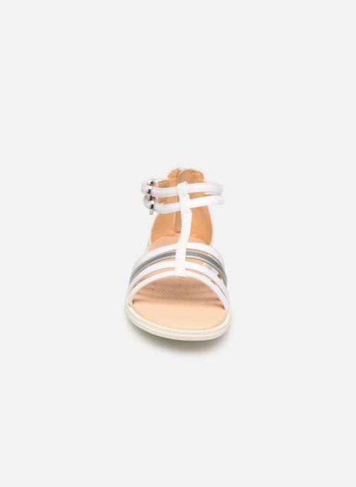 Sandalen Geox J Sandal Karly Girl J7235D weiß schuhe getragen