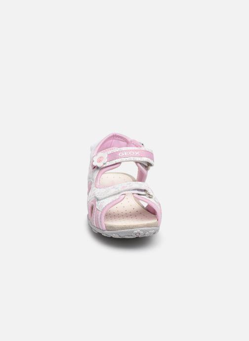Sandales et nu-pieds Geox Jr Sandal Roxanne J92D9C Rose vue portées chaussures
