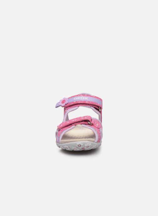 Sandali e scarpe aperte Geox Jr Sandal Roxanne J92D9C Rosa modello indossato