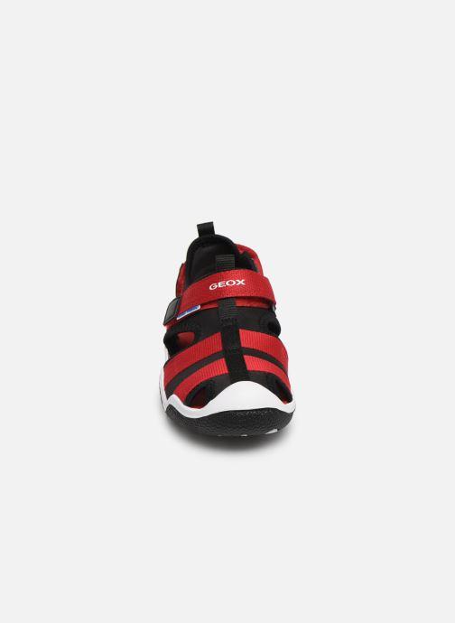 Sandales et nu-pieds Geox Jr Wader J9230A Noir vue portées chaussures