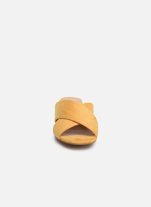 Zuecos I Love Shoes LONACI Amarillo vista del modelo