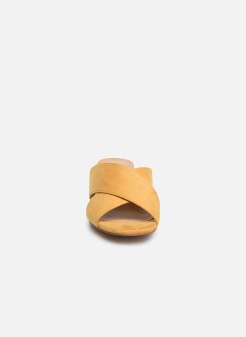 Zoccoli I Love Shoes LONACI Giallo modello indossato