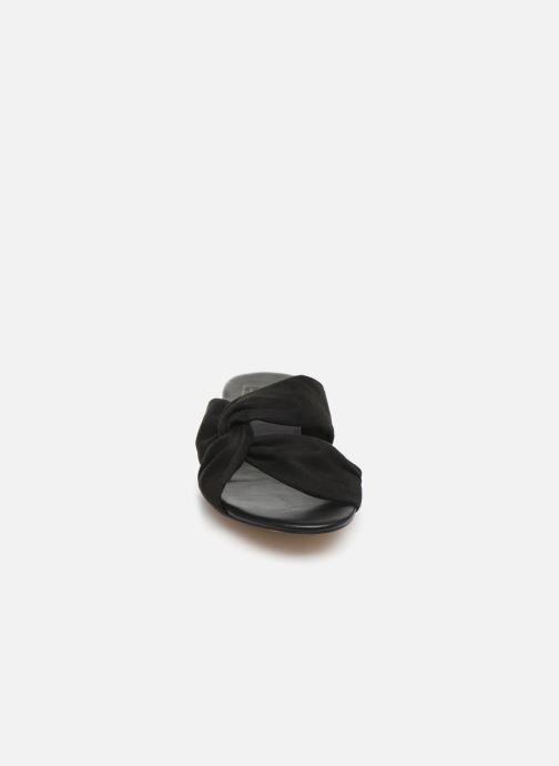 Zoccoli I Love Shoes LINEA Nero modello indossato