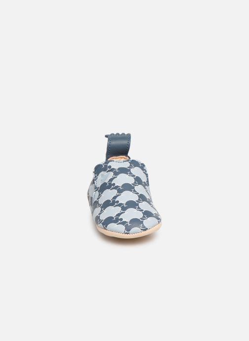 Pantofole Easy Peasy Blumoo Cloud Azzurro modello indossato