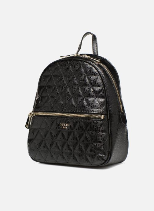 Mochilas Guess TABBI MINI BACKPACK SATCHEL Negro vista del modelo