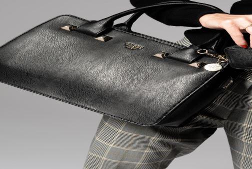 Handtassen Guess TALLAN GIRLFRIEND SATCHEL Zwart onder