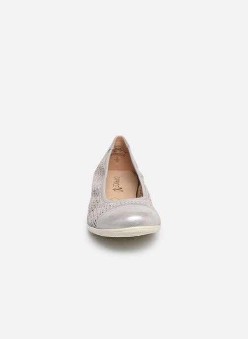 Ballerines Caprice Gilde Argent vue portées chaussures