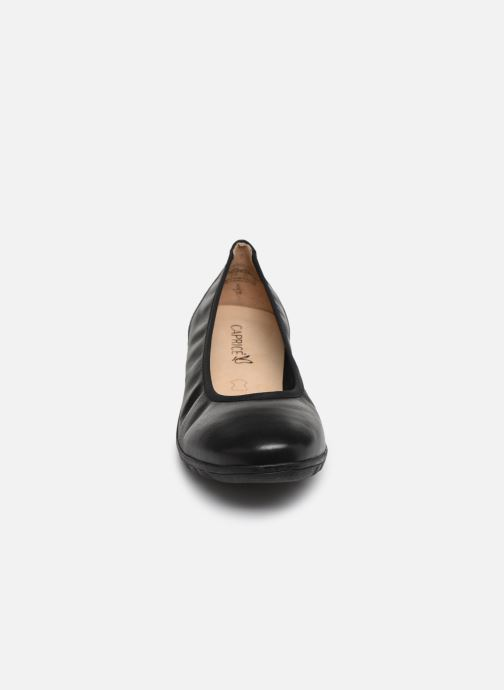 Ballerines Caprice Greta Noir vue portées chaussures