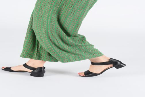Sandali e scarpe aperte Caprice Ginevra Nero immagine dal basso
