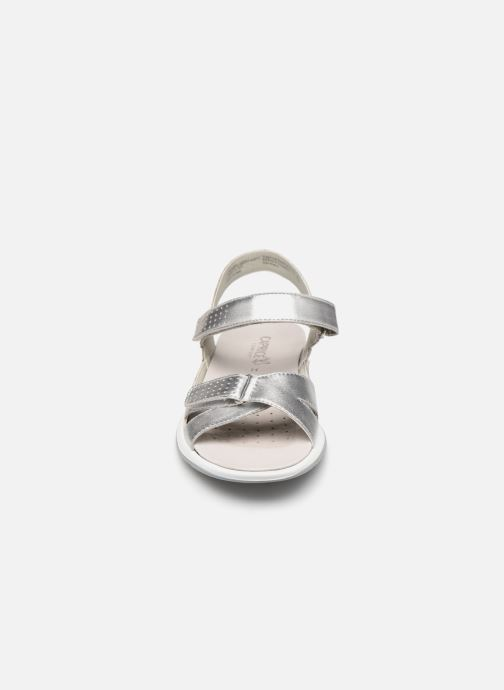 Sandali e scarpe aperte Caprice Minna Argento modello indossato