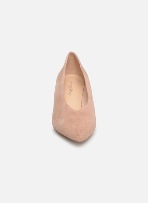 Zapatos de tacón Georgia Rose Ladiana Beige vista del modelo