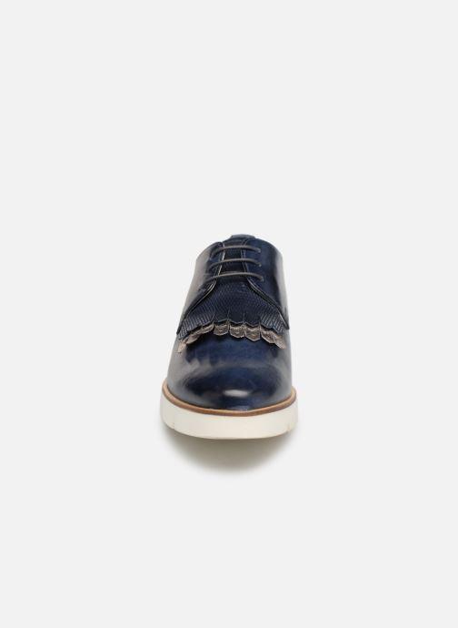 Zapatos con cordones Georgia Rose Nahema Azul vista del modelo