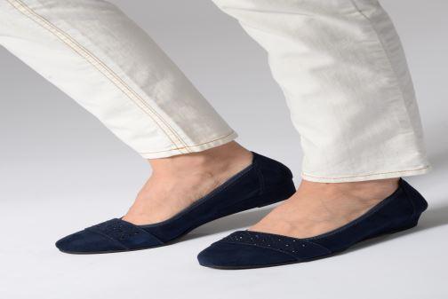 Ballerines Jana shoes Sarah Bleu vue bas / vue portée sac