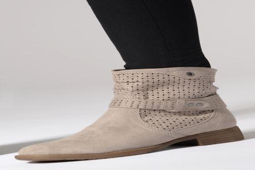 Bottines et boots Jana shoes Suzanne Beige vue bas / vue portée sac