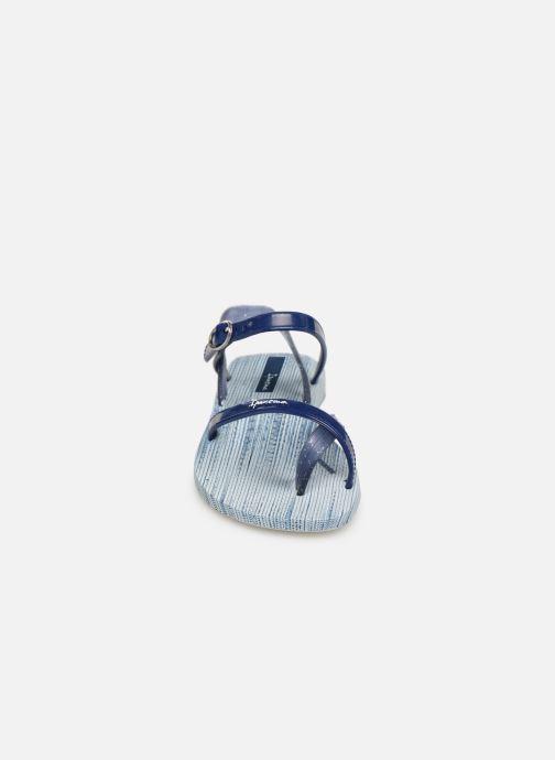 Sandali e scarpe aperte Ipanema Fashion Sandal VI Kids Azzurro modello indossato