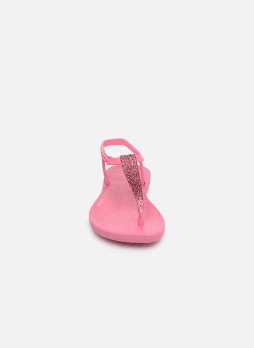 Infradito Ipanema Charm Sandal Kids Rosa modello indossato