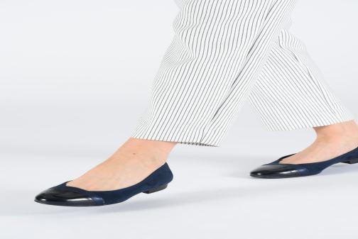 Ballerines Jana shoes Camille Beige vue bas / vue portée sac